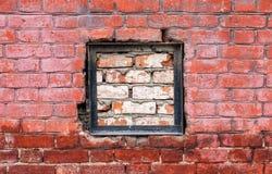 老被风化的红砖墙壁 库存图片