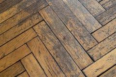 老被风化的肮脏的木地板 免版税库存图片