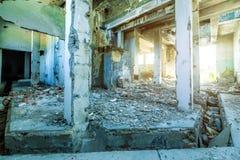 老被破坏的修造的内部 图库摄影