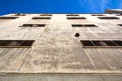老被击毁的工厂 免版税图库摄影