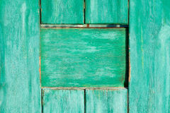 老被绘的木墙壁纹理或背景与拷贝空间 板条绿色 免版税库存照片
