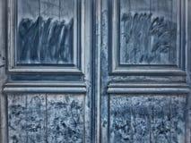 老被绘的木门 免版税库存图片