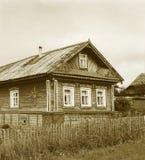 老装饰的木房子 库存图片