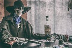 老西部啤牌骨骼葡萄酒 图库摄影
