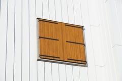 老视窗 木颜色白色背景 土气样式 免版税库存照片