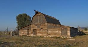 老谷仓在大蒂顿国家公园,WY,美国 库存图片