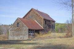老谷仓和农厂议院 库存照片
