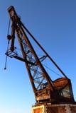 老起重机在威尼斯港口,意大利 图库摄影