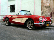 老跑车在哈瓦那 库存照片