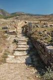 老路在废墟的土耳其 免版税图库摄影