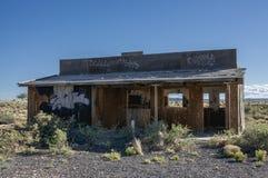老路线66西部样式Delapidated大厦沙漠风景 免版税库存图片