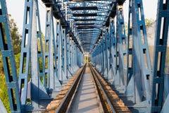 老路轨方式桥梁葡萄酒 免版税库存照片