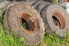 老轮胎转储  图库摄影