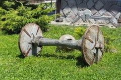 老载马的车辆轮子 免版税图库摄影