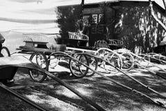 老载马的车辆 图库摄影