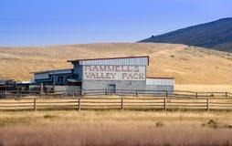 老运作的谷仓在爱达荷美国 库存图片