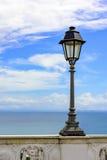 老都市路灯柱 免版税库存照片