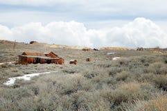 老采矿鬼城Bodie房子 库存图片