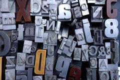 老金属和木头印刷机信件 图库摄影