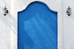 老金属蓝色门户 免版税库存图片