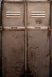 老金属衣物柜 库存照片