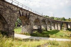 老铁路桥高架桥 免版税库存照片