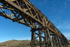 老铁路桥 免版税图库摄影