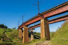 老铁路桥 免版税库存照片
