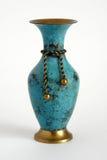 老铜花瓶 免版税库存图片