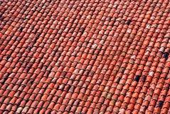 老铺磁砖的屋顶 免版税库存照片