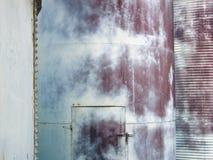 老锅炉墙壁 免版税图库摄影
