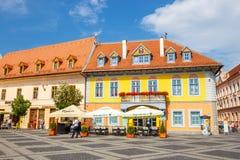 老镇中心在锡比乌的历史中心在14世纪,罗马尼亚被建立了 免版税库存照片