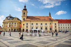 老镇中心在锡比乌的历史中心在14世纪,罗马尼亚被建立了 库存图片