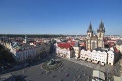 老镇中心都市风景在布拉格 免版税库存图片