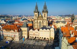 老镇中心,布拉格,捷克Republ看法有老大厦的 免版税图库摄影