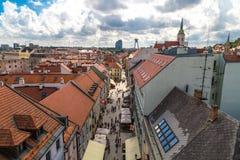 老镇全景都市风景视图在布拉索夫 免版税图库摄影