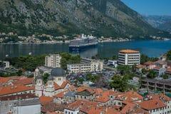 老镇和科托尔黑山海湾的顶视图  库存图片