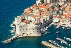 老镇在亚得里亚海海岸的欧洲  杜布罗夫尼克市 克罗地亚 免版税库存图片