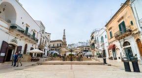 老镇在奥斯图尼,意大利 库存照片