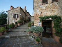 老镇在皮恩扎,托斯卡纳 免版税库存图片