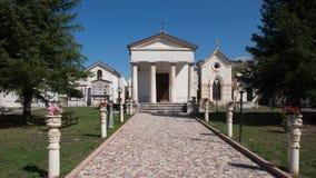 老镇在阿布鲁佐山区域 免版税库存图片