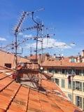 老镇屋顶好在法国 免版税库存照片