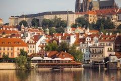 老镇布拉格市河视图 图库摄影