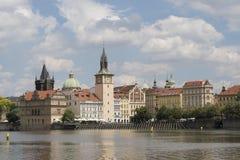 老镇布拉格江边地平线  库存照片