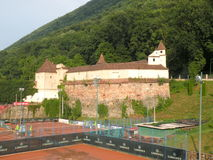 老镇布拉索夫(Kronstadt)的墙壁,在Transilvania 库存照片