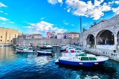 老镇杜布罗夫尼克风景在欧洲,地中海 免版税库存照片