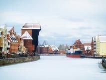 Moltawa河和起重机在格但斯克,波兰 免版税库存图片
