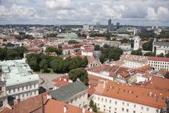 老镇的屋顶在维尔纽斯 库存图片