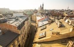 老镇的屋顶的顶视图在中心 它是第二大城市在波兰在华沙以后 图库摄影