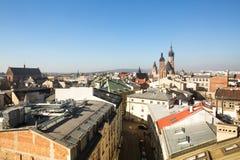 老镇的屋顶的顶视图在中心 它是第二大城市在波兰在华沙以后 库存图片